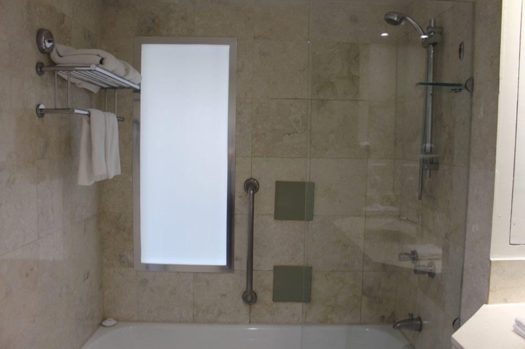マントラ・オン・ビューのシャワールーム